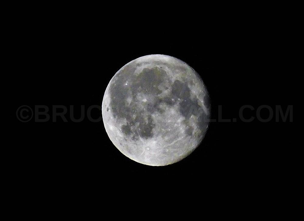 Full August Moon Live Footage And EnhancedSurface.